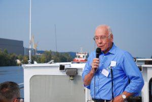 Prof. Linde (mit Küstenmortorschiff im Hintergrund), Foto: L. Schrödter IHK Ostbrandenburg